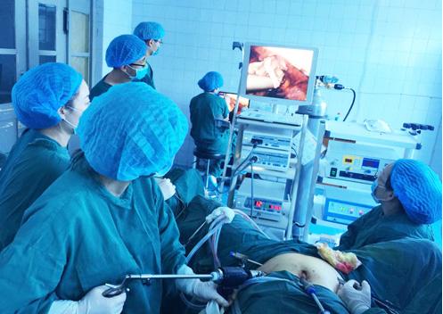 腹腔镜缝合器(微创筋膜闭合器)